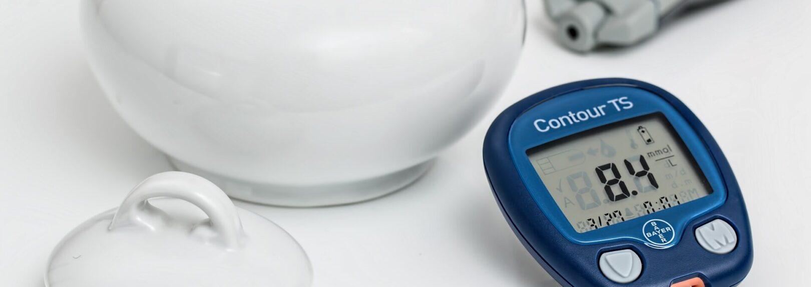Měření hladiny cukru v krvi při cukrovce