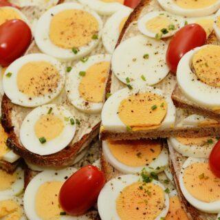 Chléb s lučinou a vejcem