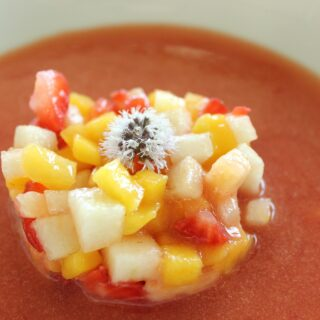 Exotická polévka s mangem