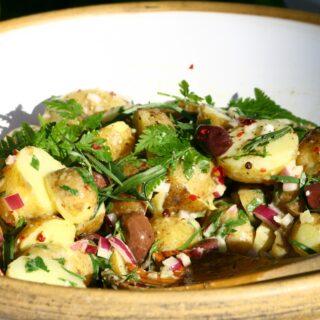 Lehký vánoční bramborový salát