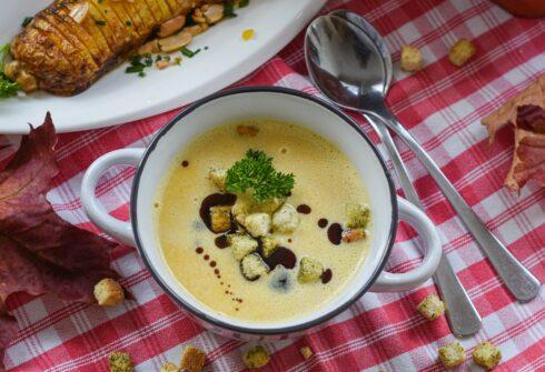 Smetanová polévka s nočky