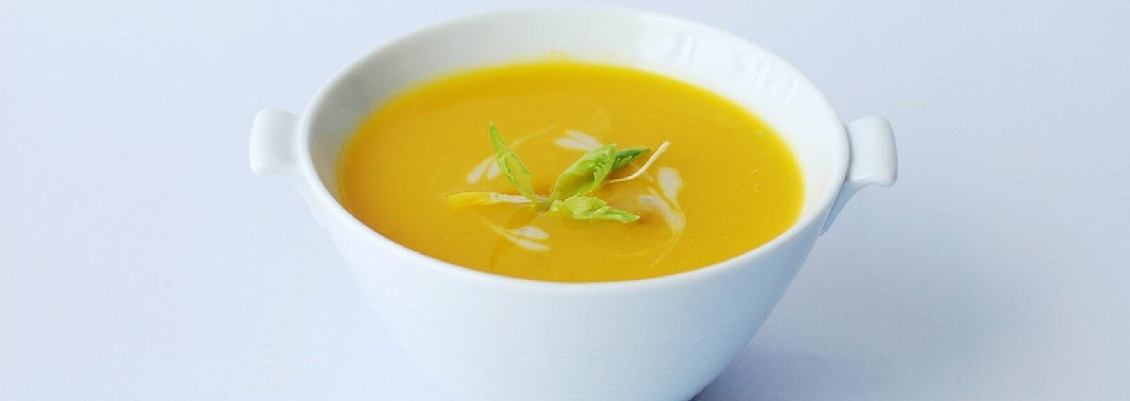 Krémová celerová polévka